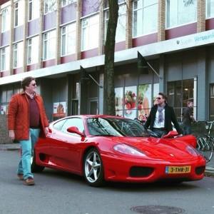 Jelle Drijver en Alex Ploeg (JJ en Laurens) bij Ferrari
